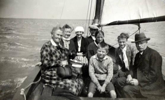Familie auf dem Meer