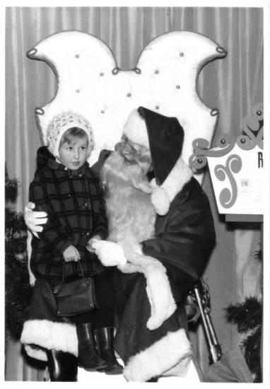 Einkaufszentrum, kaufhaus, Kindheit, kölner kaufhaus, Kostüm, mantel, mütze, Nikolaus, Nikolauskostüm, Nikolaustag, Schoß, sitzen, Spaß, verkleidung, Weihnachten
