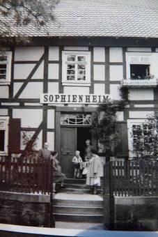 Eingang vom Sophienheim