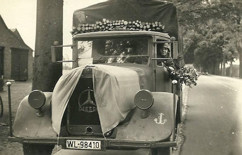 Blumenstrauß, Lastkraftwagen, LKW, Marine, mercedes, soldat, Transporter