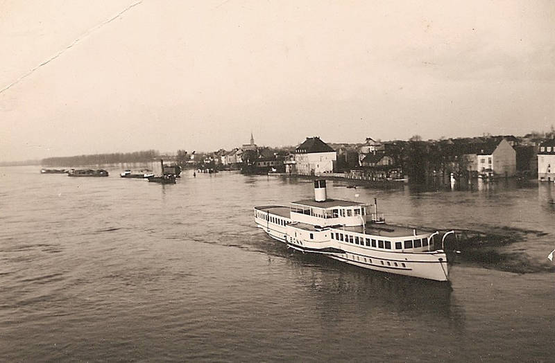 bonn Beuel, fluss, Hochwasser, Raddampfer_Bonn, Rhein-Sieg-Eisenbahn-AG (RSE), schiff