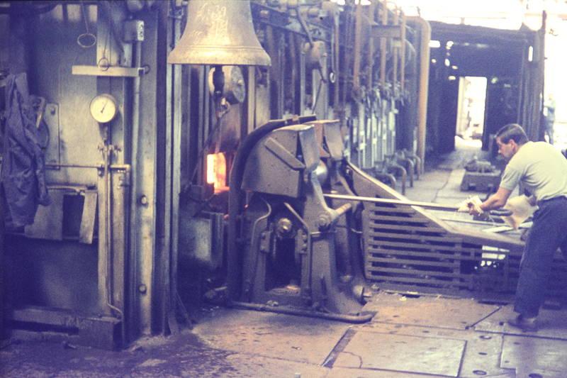 alltag, Arbeiter, Arbeitsleben, Arbeitswelt, glocke, Heizofen, industrie, krupp, Ofen, Ruhrgebiet, ThyssenKrupp, Walzwerk