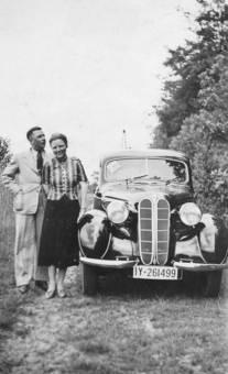 Auto und Paar