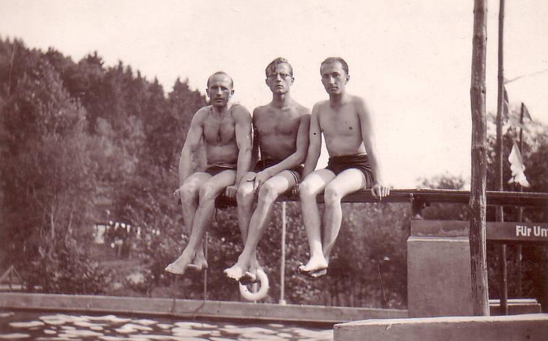 badehose, baden, freizeit, Männer, Schwimmen, sitzen, sprungbrett, windelhosen