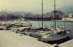 Hafen in einer Bucht