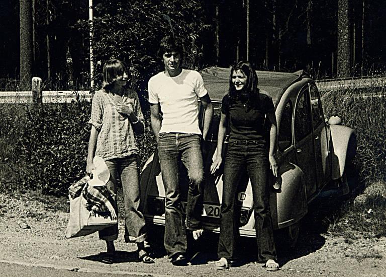 Citroën 2CV, Ente, Freizeit;, Holzklepper, Jeans, Jugendliche, mode