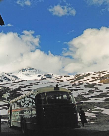 Berg, bus, schnee