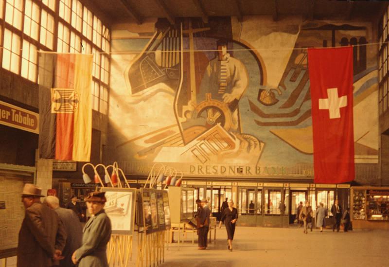 Duisburg, fahnen, Hauptbahnhof, Vorhalle, Wandbild
