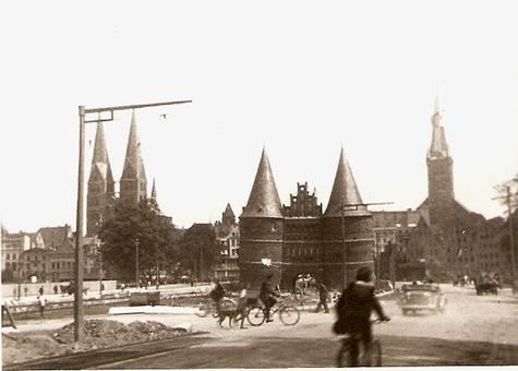 Lübeck Holstentorplatz