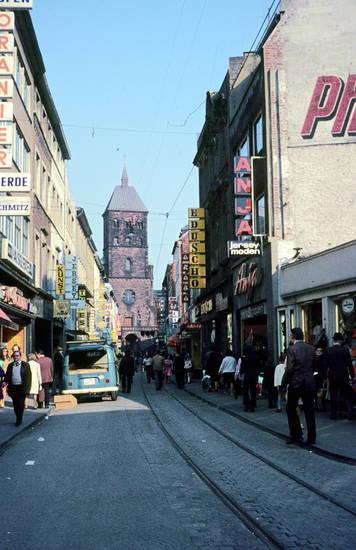 Aachen, damalsheute, Neonreklame, st.-adalbert-kirche, VW-Bulli, Werbetafeln