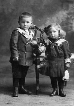 Porträt von zwei Kindern