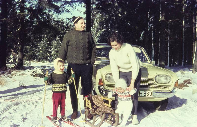 auto, ford, ford-badewanne, frau, kind, schlitten, schnee, Ski, wald, winter