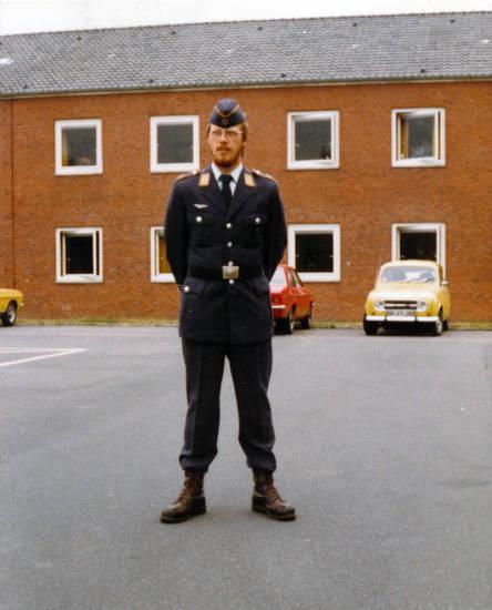 Bundeswehr, Luftwaffe, Renault R4, Uniform, wehrpflicht