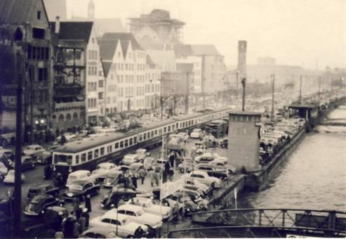 Reinuferbahn vor der Altstadt