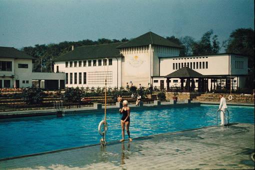 Eis- und Schwimmstadion