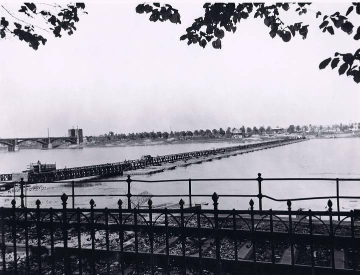Besatzung, brücke, Hindenburgbrücke, nachkriegszeit, Pfahljochbrücke, Poller Wiesen, Pontonbrücke