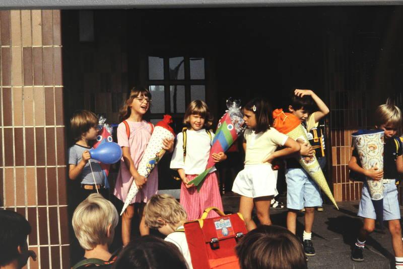 Erstklässler, schule, Schüler, Schulkinder, Schultüte