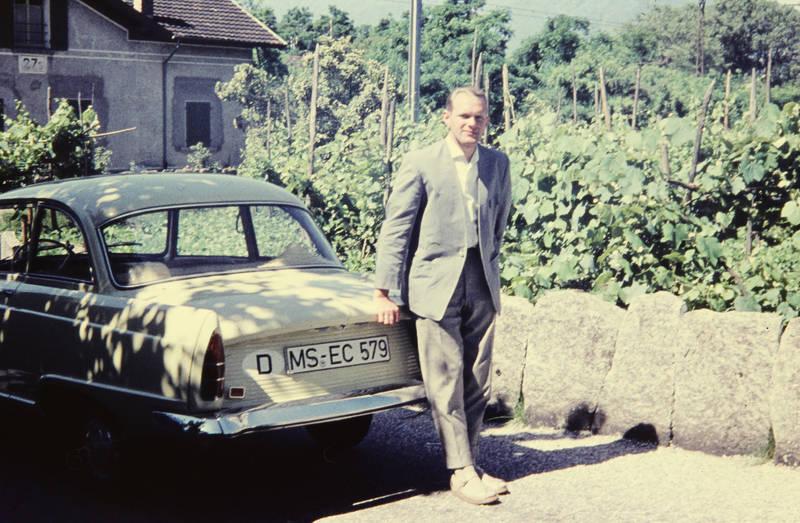 auto, bohnenstangen, DKW-Junior, KFZ, kofferraum, mauer, PKW