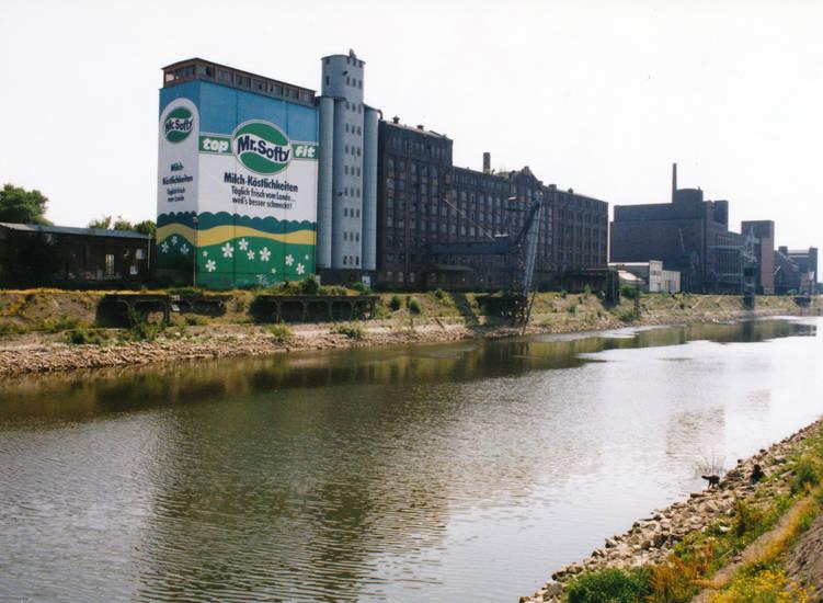 aufschrift, Duisburg, Hafen, Innenhafen, milch-köstlichkeiten, mr.softy, Ruhr, Ruhrgebiet, schrift, top fit