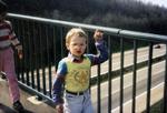 Auf einer Brücke
