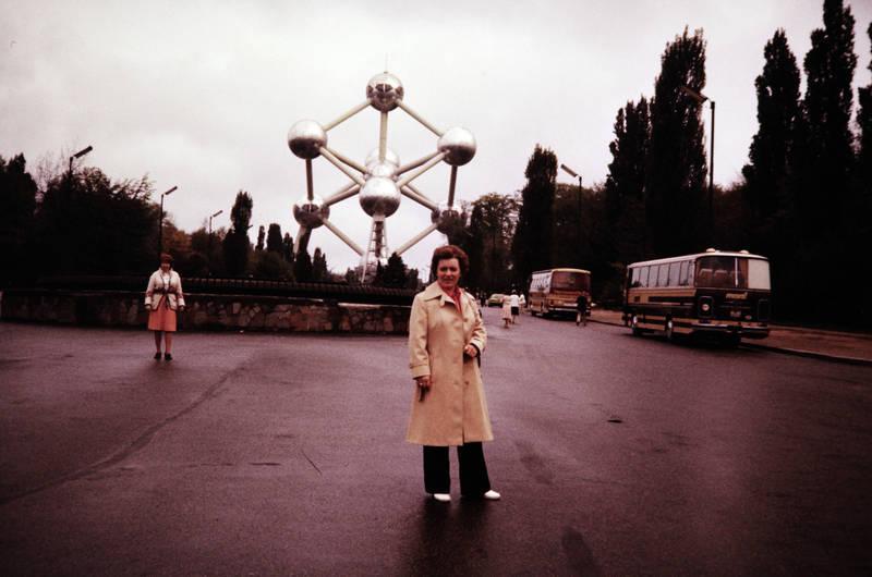 Atomium, belgien, Brüssel, bus, Platz, reise, Touristenattraktion, touristin, urlaub
