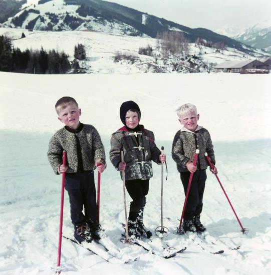 Kindheit, mode, schnee, skier, skilaufen, skistöcke, urlaub, winter