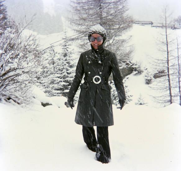 Berg, Brille, mantel, mode, mütze, schnee, schneesturm, verschneit, wald