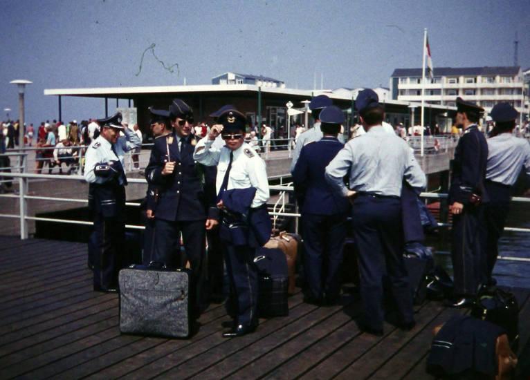 Bundeswehr, Gepäck, Hafen, Uniform