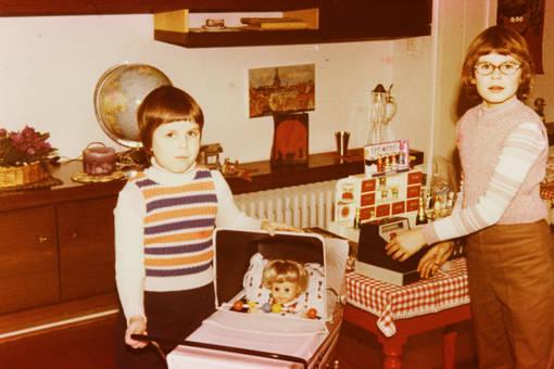 Puppenwagen und Kaufladen