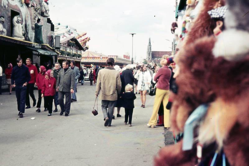 Besucher, Fahrgeschäft, geisterbahn, münchen, Oktoberfest, Theresienwiese, Verkaufsstand