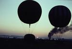 Gasballons in der Dämmerung