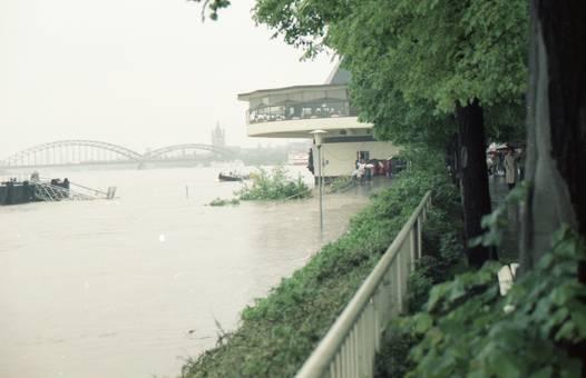 Rheinhochwasser in Köln