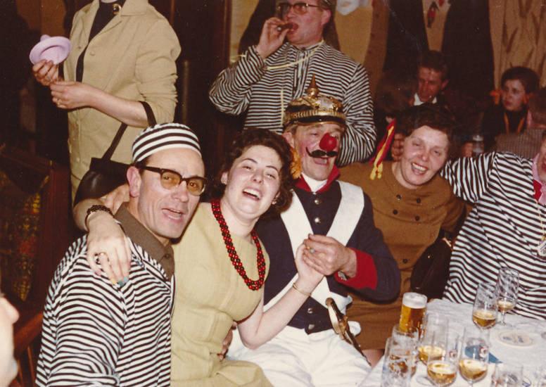 Bier, Fasching, feier, Feiern, karneval, Kostüm, verkleidung