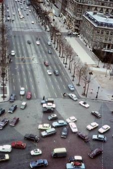 Straßenverkehr in Paris