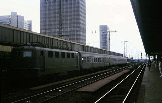 Personenzug in Essen