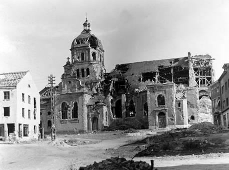 Zerstörte Pfarrkirche