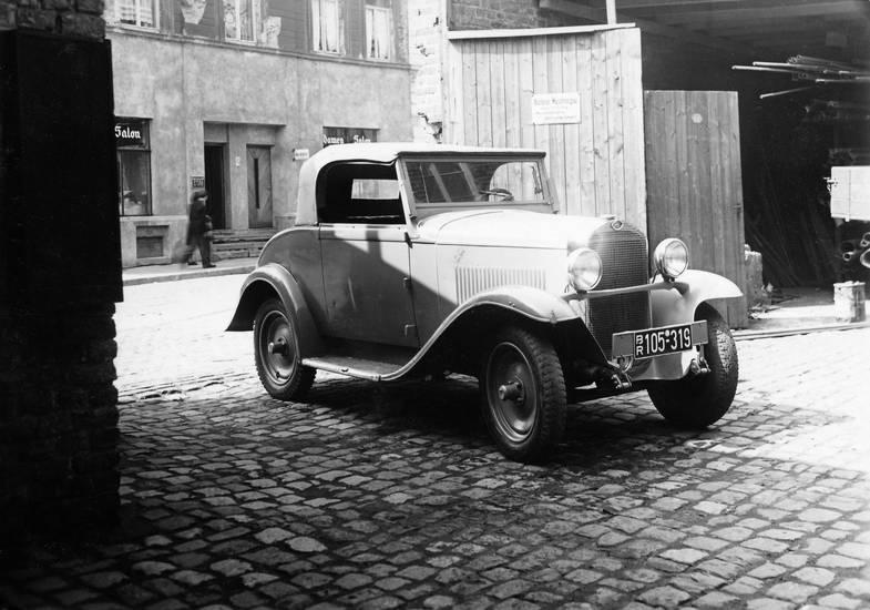 Aachener, abfahrt, auto, fahrzeug, halten, Hof, Innenhof, Kennzeichen, KFZ, Maschinenbau, Maschinenfabrik, Opel, parken, PKW, wagen