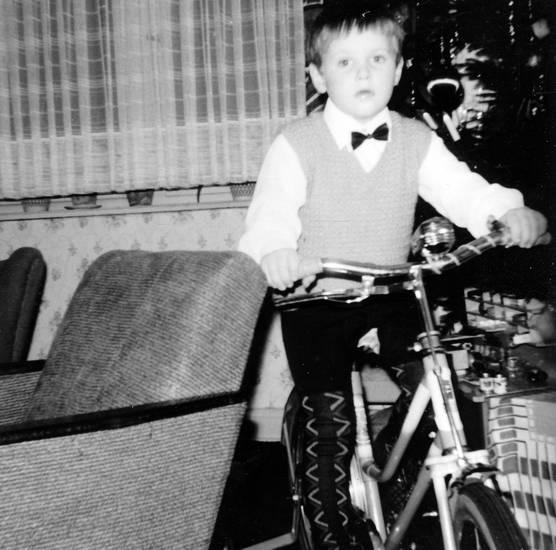 fahrrad, geschenk, Kindheit, Weihnachten, Weihnachtsgeschenk, wohnzimmer