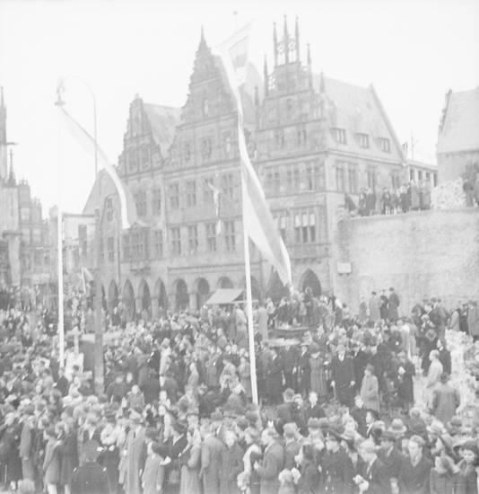 fahne, fahnenmast, Lambertikirchplatz, Mast, menschenauflauf, Menschenmenge, münster, Prinzipalmarkt, salzstraße