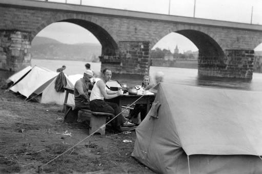 Zeltlager am Rhein-Herne-Kanal