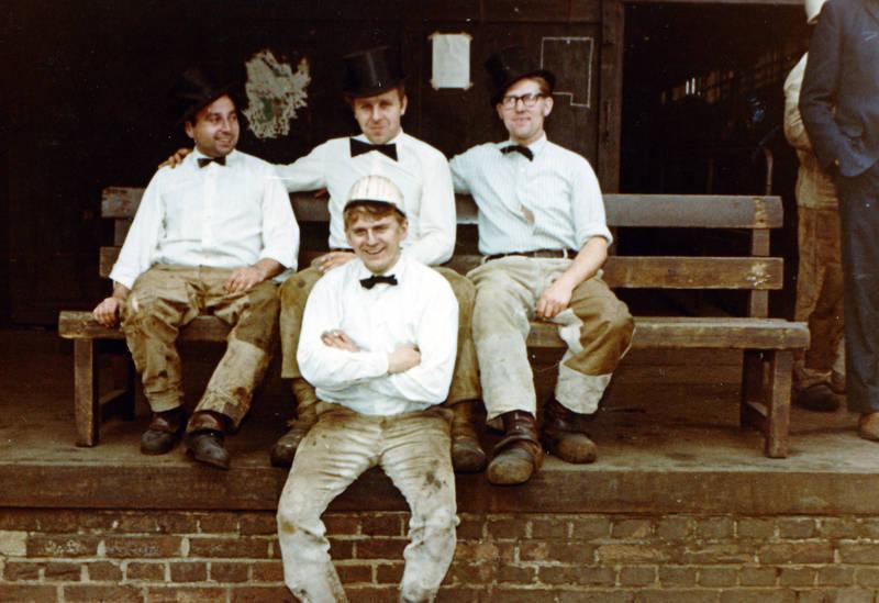 Arbeiter, Arbeitshose, Fliege, G.H.H. Gelsenkirchen, Hemd, zylinder