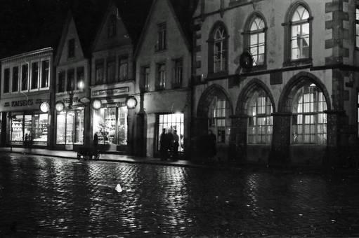 Schaufenster bei Nacht