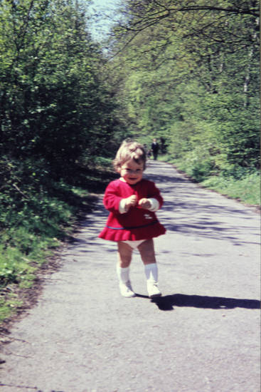 Feldweg, kind, kleid