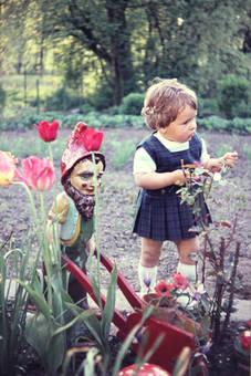 Gartenzwerg und Kind