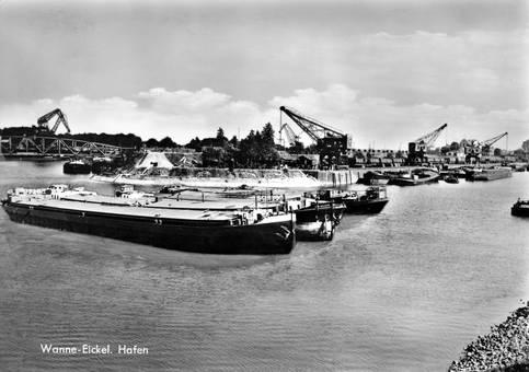Reger Betrieb am Hafen
