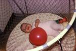 Baby mit Luftballon