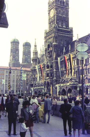 flagge, Laterne, Marienplatz, Neues Rathaus, olympia 1972, Platz, Rathaus