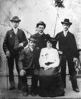 Vier Männer und eine Frau