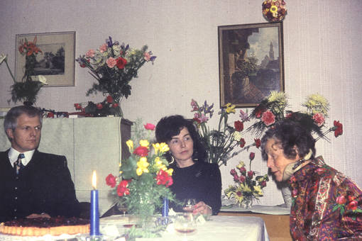 Am Tisch