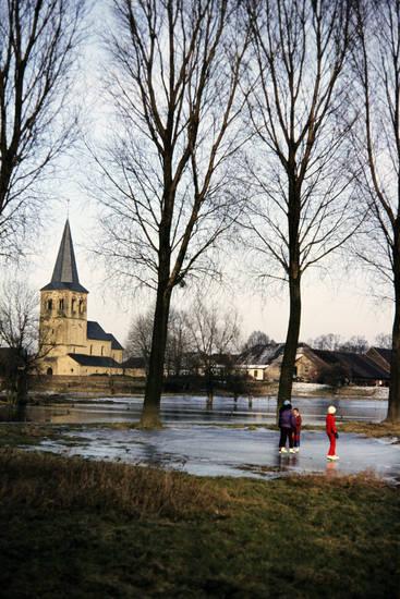 baum, freizeit, Kälte, kirche, schlittschuh, schlittschuhlauf, see, Spaß, winter, Winterkleidung